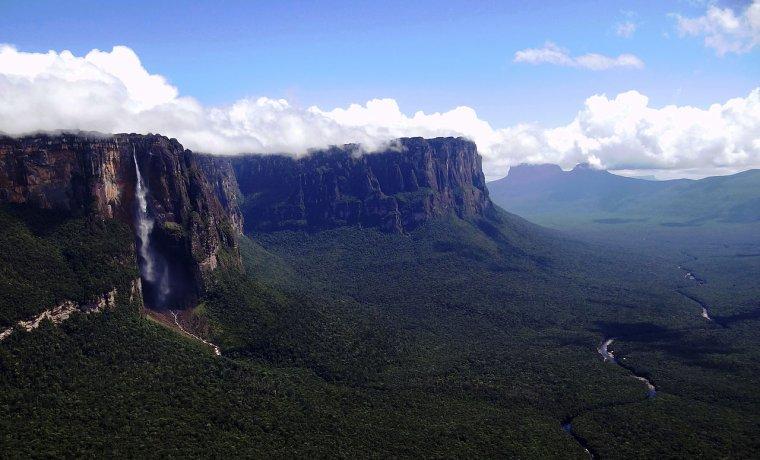 Venezuela  -  Auyan Tepuy