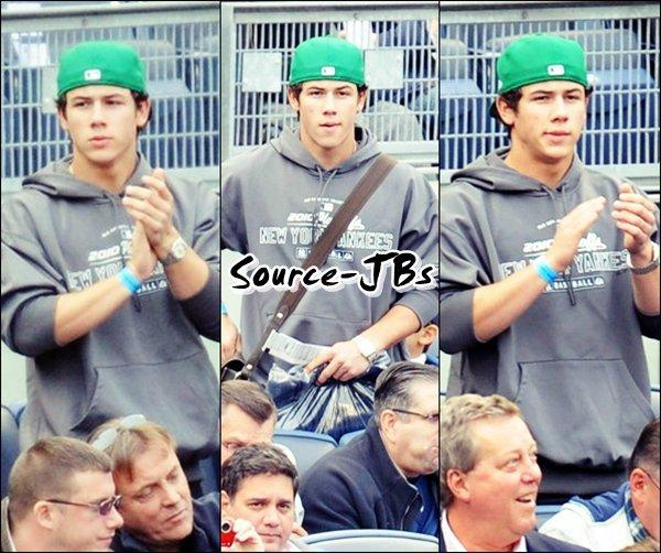 -18/10/10__Kevin & Danielle ont assisté à un match des Yankees  -
