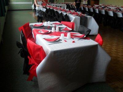 D coration blanc rouge et noir mariage la d co de marie for Deco table noir et rouge