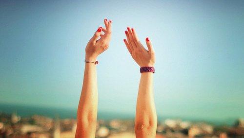 Quand on est heureux, on dit n'importe quoi, on est prêt à croire que cela durera toujours. Or cela ne dure pas toujours.