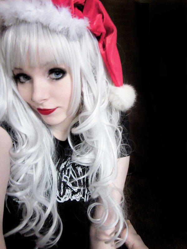 ira vampira blond black emo scene hair