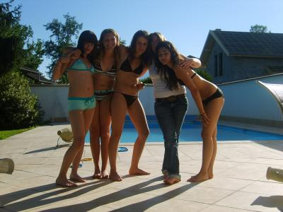 Moi A La Piscine aprem piscine chez moi !! - [ in my world .. ]