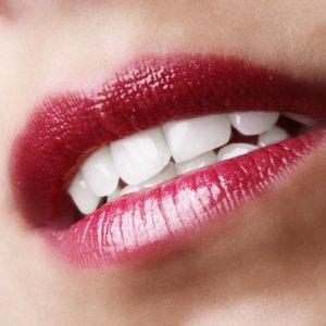 Avoir les dents blanches - astuces maison