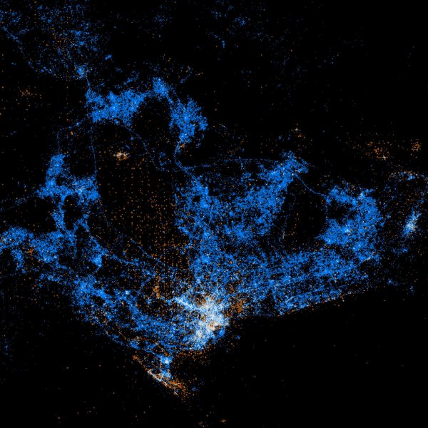'Light show' maps showcase Twitter, Flickr usage around the world Part 003
