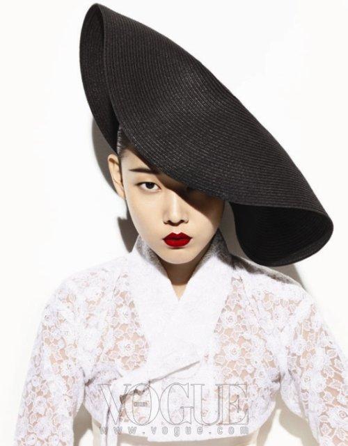 Vogue Korea (대한민국) August 2011