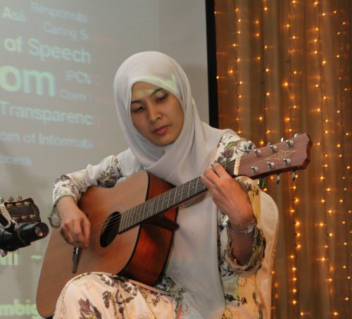 If you want it done right, hire a woman!:  Nurul Izzah Anwar