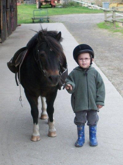 maxou à l'équitation