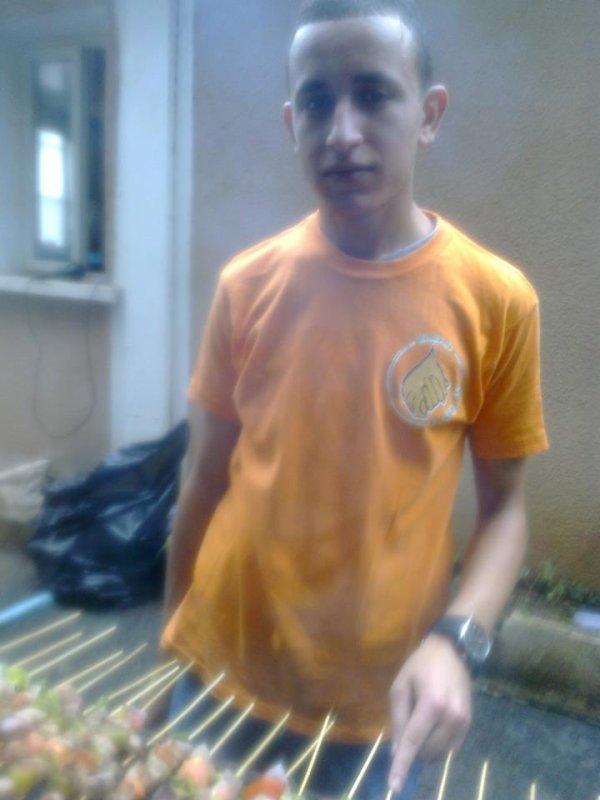 barbecue organisé par un groupe de jeune benevole 9atrate nada alger pour les orphelins et familles demunies d'alger à mohamadia 5 maisons