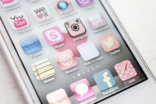 Mon téléphone et moi ? -Amis inséparable ♥
