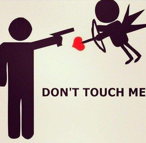 Dit Cupidon pourquoi tu lance pas une de tes flèches sur la personne que j'aime au lieu de la lancer sur des gens qui s'aiment juste pour de faux ?