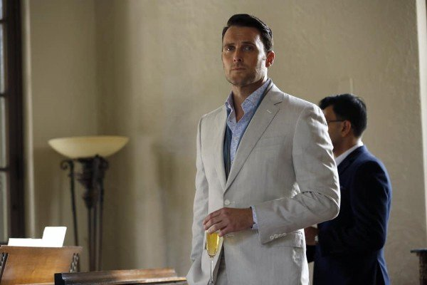 Owain Yeoman as Greyson Blaise dans The Blacklist