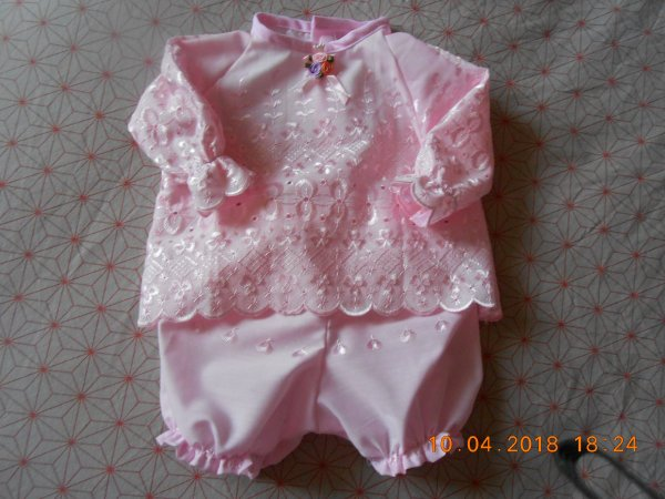 ensemble rose pour reborn taille 1 mois