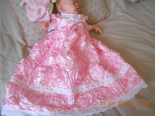 robe de ceremonie rose.