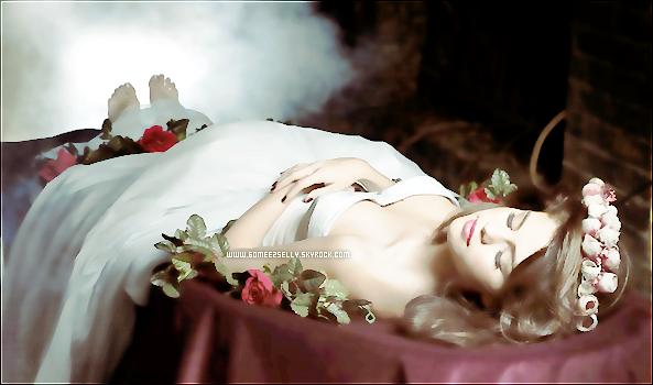 .  Bienvenue sur GomeezSelly, ta source sur la superbe chanteuse / actrice : Selena Marie Gomez ! .