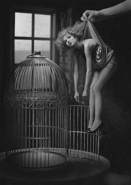 La plus grande lâcheté d'un homme est d'éveiller l'amour d'une femme sans avoir l'intention de l'aimer.
