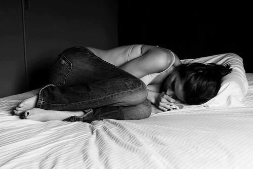 Le fait que tu m'es abandonnée provoque forcément de la tristesse en moi.