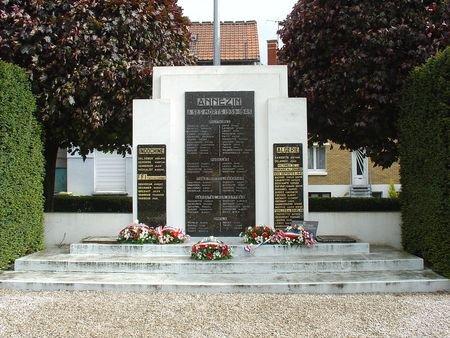 ANNEZIN:MONUMENT 1914 918/MONUMENT3945 INDO ALGERIE