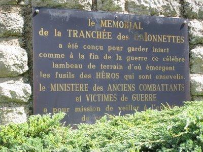 LA   TRANCHEE   DES   BAIONNETTES  :