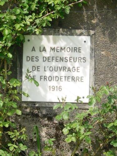 FLEURY -DEVANT-DOUAUMONT : MONUMENTS ET STELES