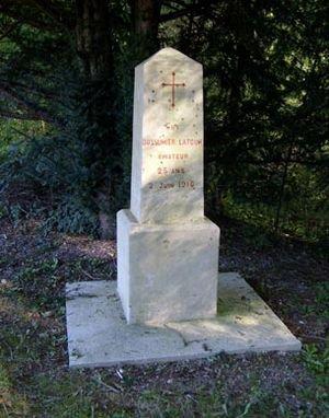 MONUMENTS ET STELES DU VILLAGE VAUX:
