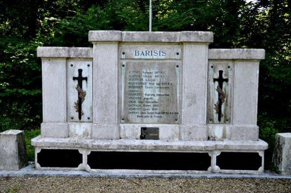 NECROPOLE DE BARISIS AUX BOIS : CONFLIT 1914 - 1918