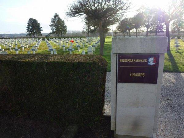 NECROPOLE NATIONALE DE CHAMPS : CONFLITS 1914 1918  ET1939 1945