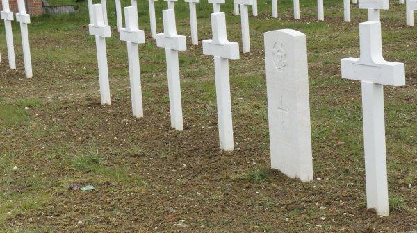 NECROPOLE NATIONALE DE PARGNY-SUR-SAULX : CONFLIT 1914 1918