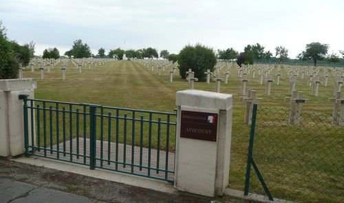 NECROPOLE NATIONALE D' AVOCOURT : CONFLITS 1914 1918 ET 1939 1945