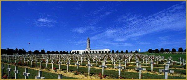 NECROPOLE ET OSSUAIRE NATIONAL DE FLEURY - DEVANT - DOUAUMONT : CONFLIT 1914 1918