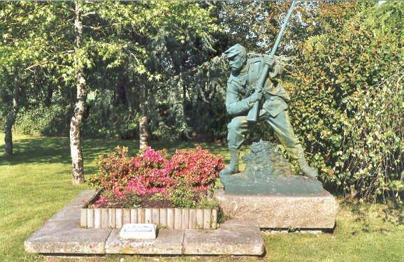 NECROPOLE NATIONALE DE STE-ANNE-D'AUREY : CONFLITS 1870 1871-1914 1918- 1939 1945-INDOCHINE