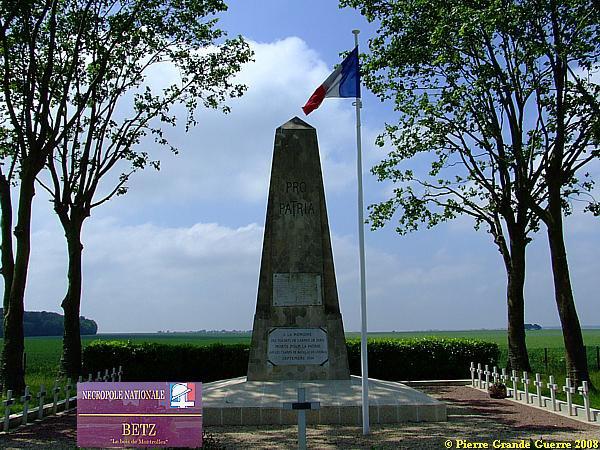NECROPOLE NATIONALE LE BOIS - DE -MONTROLLES A BETZ : CONFLIT 1914 1918