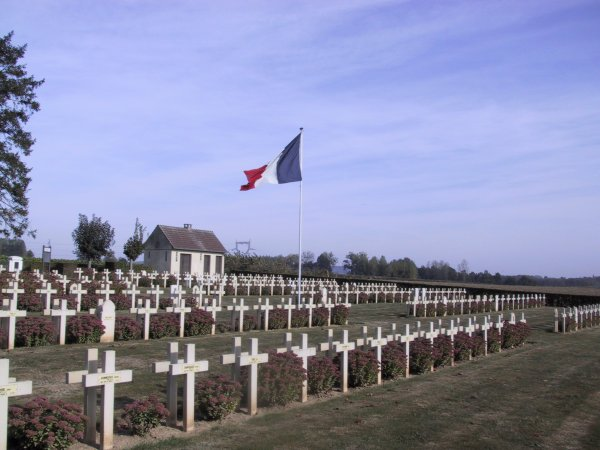 NECROPOLE NATIONALE DE THIESCOURT : CONFLIT 1914 1918