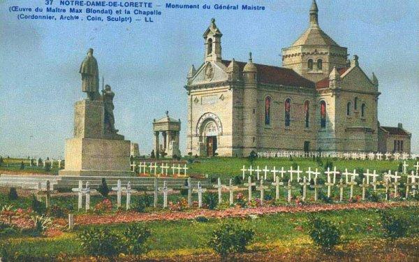 NECROPOLE NATIONALE NOTRE - DAME - DE - LORETTE  A ABLAIN -ST- NAZAIRE / CONFLIT 1914 1918