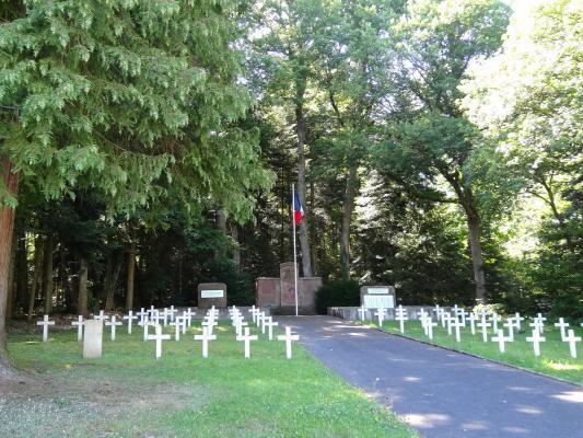 NECROPOLE NATIONALE DE VILLE : CONFLITS 1914 1918 - 1939 1945