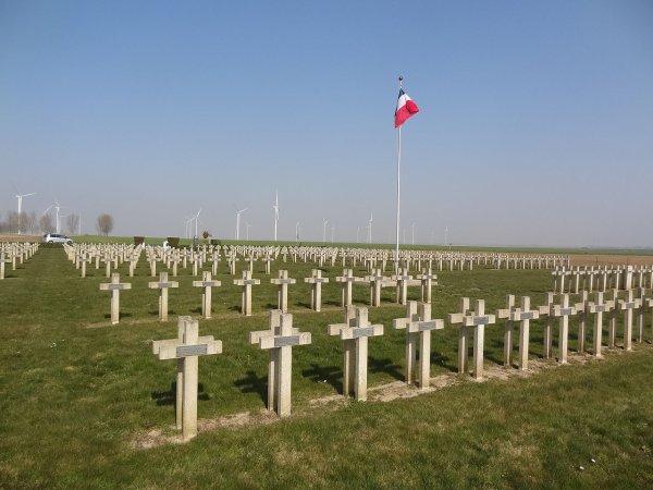 NECROPOLE NATIONALE DE BEUVRAIGNES : CONFLIT 1914 1918
