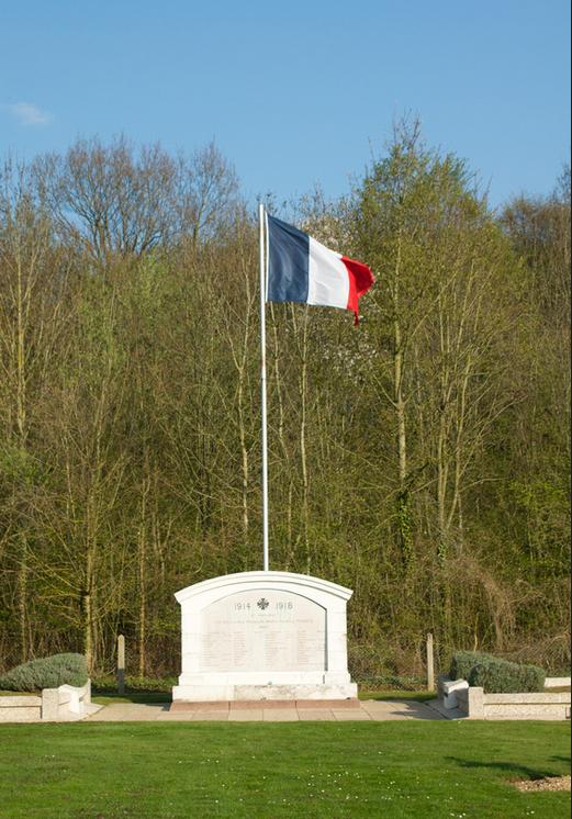 NECROPOLE NATIONALE LE BOIS DES OUVRAGES A CLERY - SUR - SOMME : CONFLIT 1914 1918