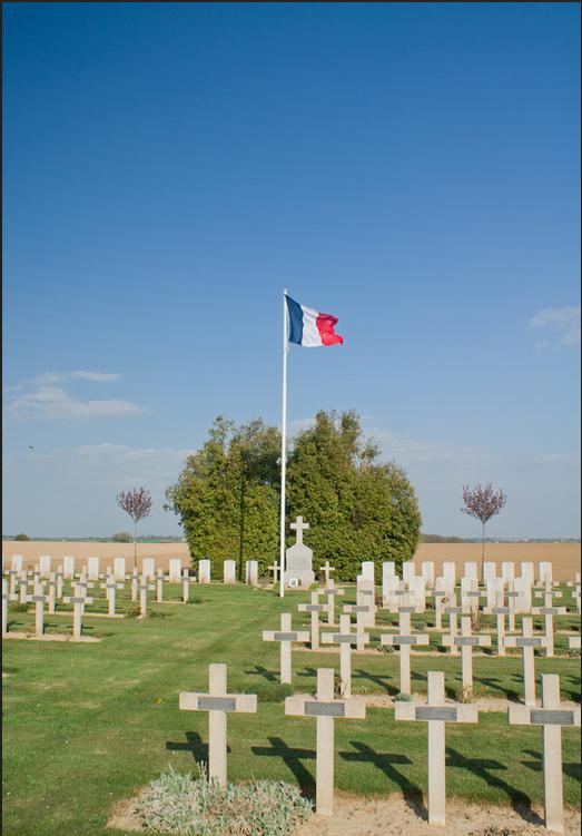 NECROPOLE NATIONALE D' ETINEHEM ( LA COTE 80 ) : CONFLIT 1914 1918
