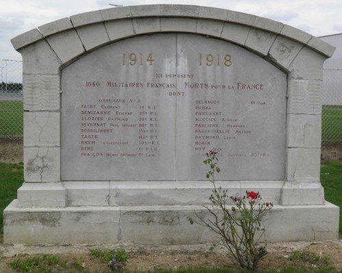 NECROPOLE NATIONALE DE L ' EGALITE A MONTDIDIER : CONFLIT 1914 1918