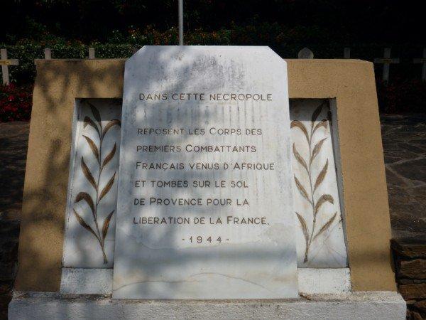 NECROPOLE DU RAYOL - CANADEL- SUR - MER  : CONFLIT 1939 1945