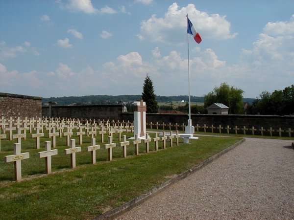 NECROPOLE NATIONALE D ' EPINAL : CONFLIT 1914 1918
