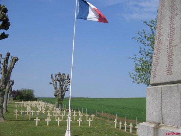 CIMETIERE MILITAIRE D'HOUDRIGNY : CONFLIT 1914 1918