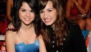 The Vampire Diaries saison 2 : Selena Gomez et Demi Lovato dans un épisode !