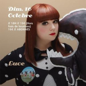 """Octobre 2011 : Luce dans """"Paris c'est Fou, l'Interview"""", Puis dans """"Paris c'est Fou, Le Mag"""" (Le 14) + Affiche de Concert (Le 15) + Photo de Luce en Concert (Le 16) + Luce dans """"Chabada"""" (Le 23) + Luce dans """"La nuit nous appartient"""" (Le 30)"""