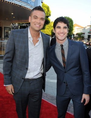 """Mark Salling et Dianna Agron à l'avant-première du film """"Glee 3D movie""""."""