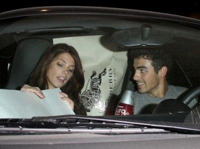 Joe Jonas : une preuve qu'il aurait perdu sa virginité ...