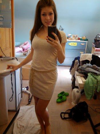 Deux petites photos vite-vite, cela faisait longtemps. (Oui ma chambre est en désordre !)