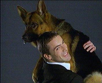 Rex... Le berger Allemand policier... et ses Collégues?