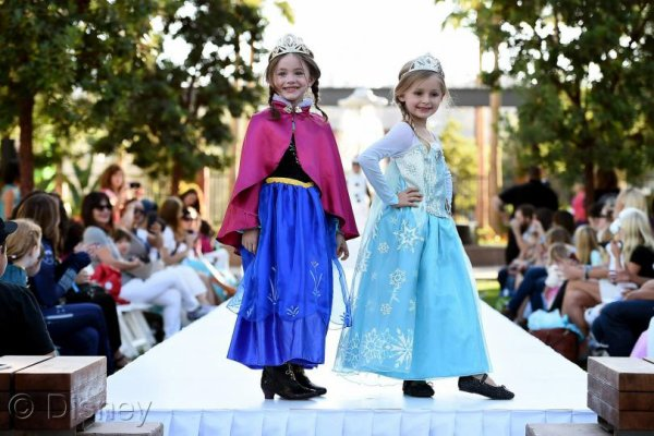 Elsa, Han Solo, Minions Will Roam the Streets This Halloween(See the Top Halloween Costumes of 2015)