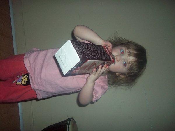 garde moi du lait au chocolat svp laaa !!