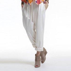 Dans quel pantalon qui vous va le mieux?#Clara.L et Rachel.C